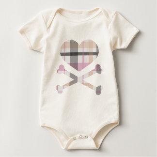 ハートおよび十字の骨のピンクの灰色の格子縞 ベビーボディスーツ