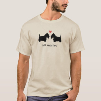 ハートおよび文字が付いているスコットランドテリア Tシャツ