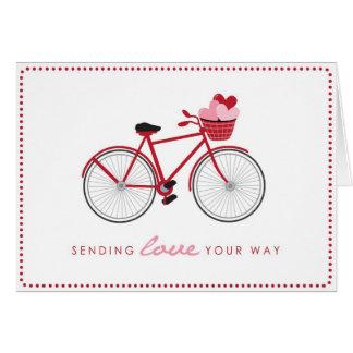 ハートが付いている自転車のバレンタインデーカード カード