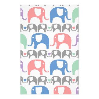 ハートが付いている象愛柔らかいパステル調パターン 便箋