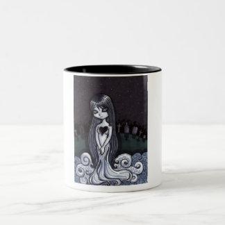 ハートによって壊される幽霊 ツートーンマグカップ