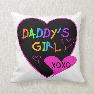 ハートのお父さんの女の子のTシャツおよびギフト クッション