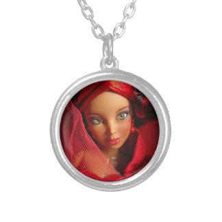 ハートのアリスの不思議の国のネックレスのLivの人形の女王 シルバープレートネックレス