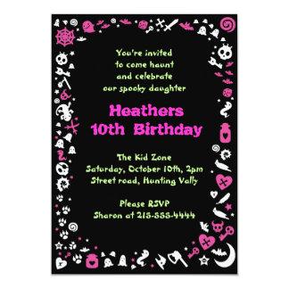 ハートのハロウィンのハッピーバースデーのパーティの招待状 カード