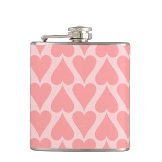 ハートのバレンタインデーの背景の珊瑚のピンク フラスク