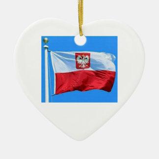 ハートのワシの頂上が付いているポーランドの旗 セラミックオーナメント