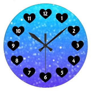 ハートの柱時計との紫色そして青い微光 ラージ壁時計