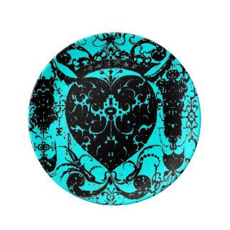 ハートの王冠のぼろぼろのダマスク織のグラフィックアート 磁器プレート