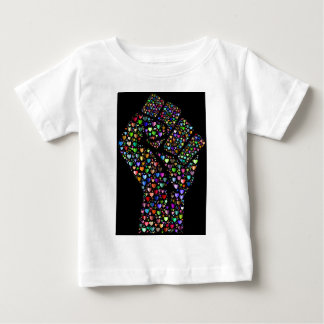 ハートの虹の握りこぶし ベビーTシャツ