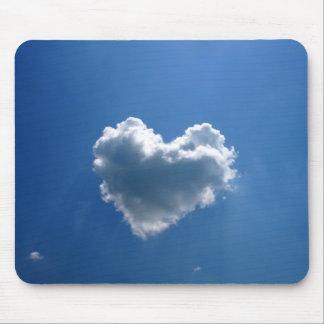 ハートの雲の形 マウスパッド