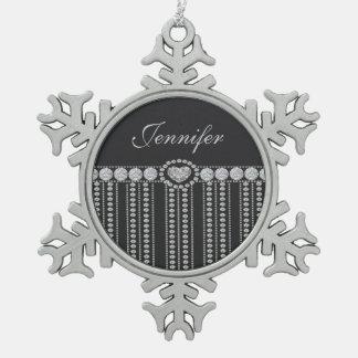 ハートの黒い背景、名前のダイヤモンド スノーフレークピューターオーナメント