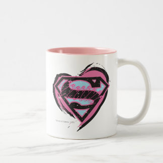 ハートのSupergirlのピンクのロゴ ツートーンマグカップ
