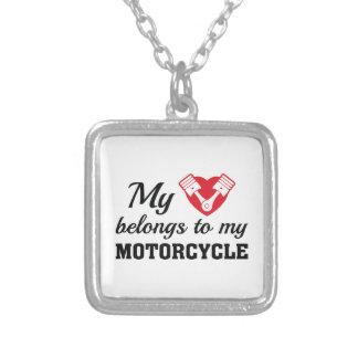 ハートはオートバイ属します シルバープレートネックレス