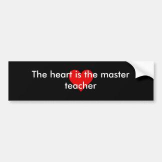 ハートはマスターの先生のバンパーステッカーです バンパーステッカー