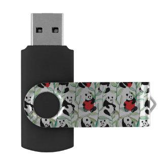 ハートを持つ美しいパンダが付いているパターン USBフラッシュドライブ