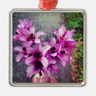 ハート形の花の花束 メタルオーナメント