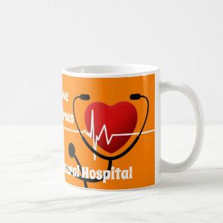 ハート、聴診器及びECGのナース コーヒーマグカップ
