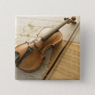 バイオリンおよび楽譜 5.1CM 正方形バッジ
