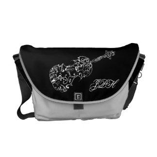 バイオリンの陰刻スケッチ、カスタマイズ可能なイニシャル メッセンジャーバッグ