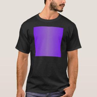 バイオレット2 -インディゴおよびアメジストの勾配 Tシャツ