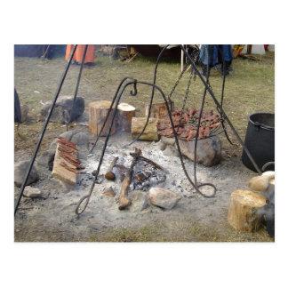 バイキングの市場のキャンプファイヤーの料理 ポストカード