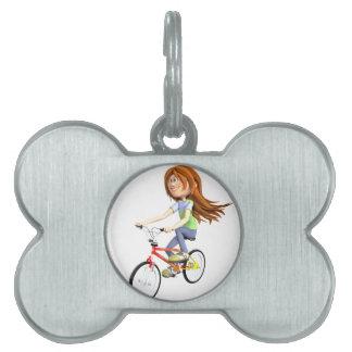 バイクに乗っている漫画の女の子 ペットネームタグ