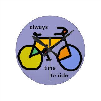 バイクに乗る常に時間 ラウンド壁時計