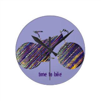 バイクの芸術のイラストレーション ラウンド壁時計