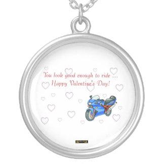 バイクもしくは自転車に乗る人のためのモーターバイクとのハッピーバレンタインデー シルバープレートネックレス