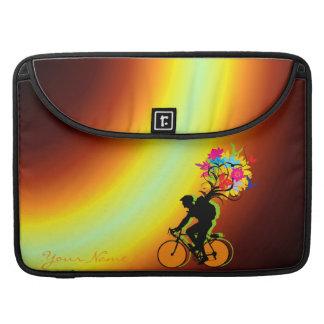 バイクもしくは自転車に乗る人の自然のパック1のMacの本の袖 MacBook Proスリーブ