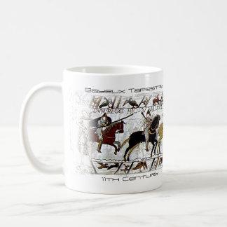 バイユーのタペストリーのマグ コーヒーマグカップ