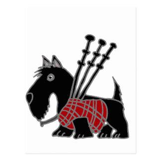 バグパイプを演奏しているおもしろいなスコットランドテリアの小犬 ポストカード