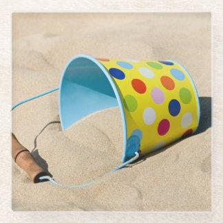 バケツおよび砂 ガラスコースター