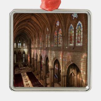 バシリカ会堂のインテリア、キト、エクアドルのHDRのイメージ メタルオーナメント