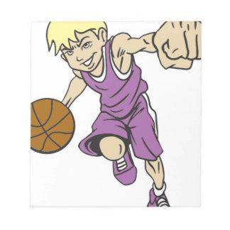 バスケットの男の子のブロンドの女性 ノートパッド