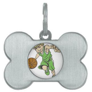 バスケットの男の子のブロンドの女性 ペットネームタグ