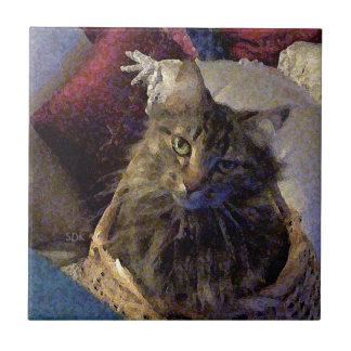 バスケットの美しい虎猫のメインのあらいぐまの子猫猫 タイル