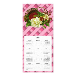 バスケットのRosesTelephoneおよびカレンダー赤く、白いカード ラックカード