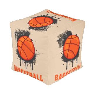 バスケットボールおよび文字が付いている抽象的なインク染み プーフ