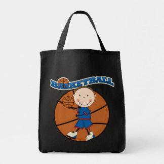 バスケットボールのブルネットの男の子のTシャツおよびギフト トートバッグ