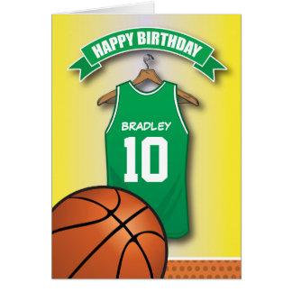 バスケットボール赤いジャージーはカスタムな誕生日を遊ばします グリーティングカード