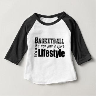 バスケットボール: それはちょうどスポーツではないです ベビーTシャツ