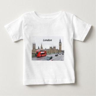 バス--ロンドン--[kan.k] .JPG ベビーTシャツ