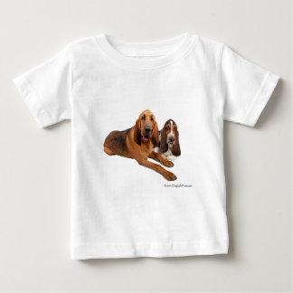 バセット犬およびブラッドハウンドの相棒 ベビーTシャツ