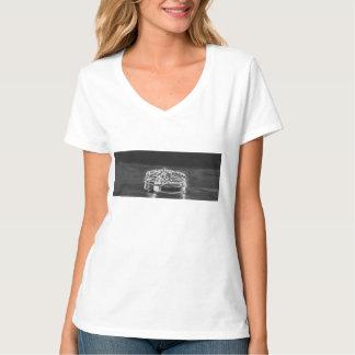 バチェロレッテの女性のTシャツがある花嫁 Tシャツ