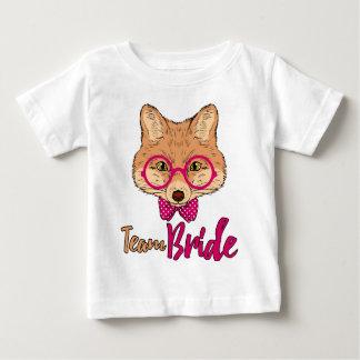 バチェロレッテのTシャツ のチーム花嫁のヒップスターのキツネのティー ベビーTシャツ