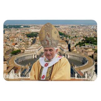 バチカン市国を持つ教皇ベネディクト16世 マグネット