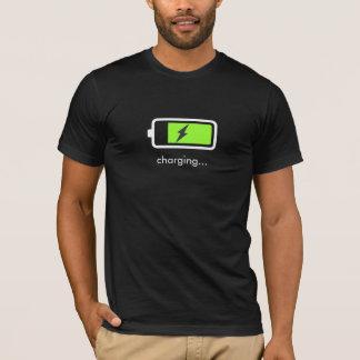 バッテリーの充電アイコンTシャツ Tシャツ