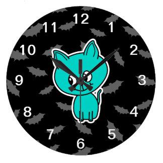 バットを持つかわいいティール(緑がかった色)猫 ラージ壁時計