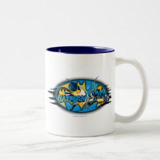 バットマンの記号|のクラシックなコラージュのロゴ ツートーンマグカップ